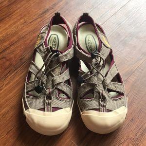 Keen Coronado burlap bungee sandals, like new! Sz9